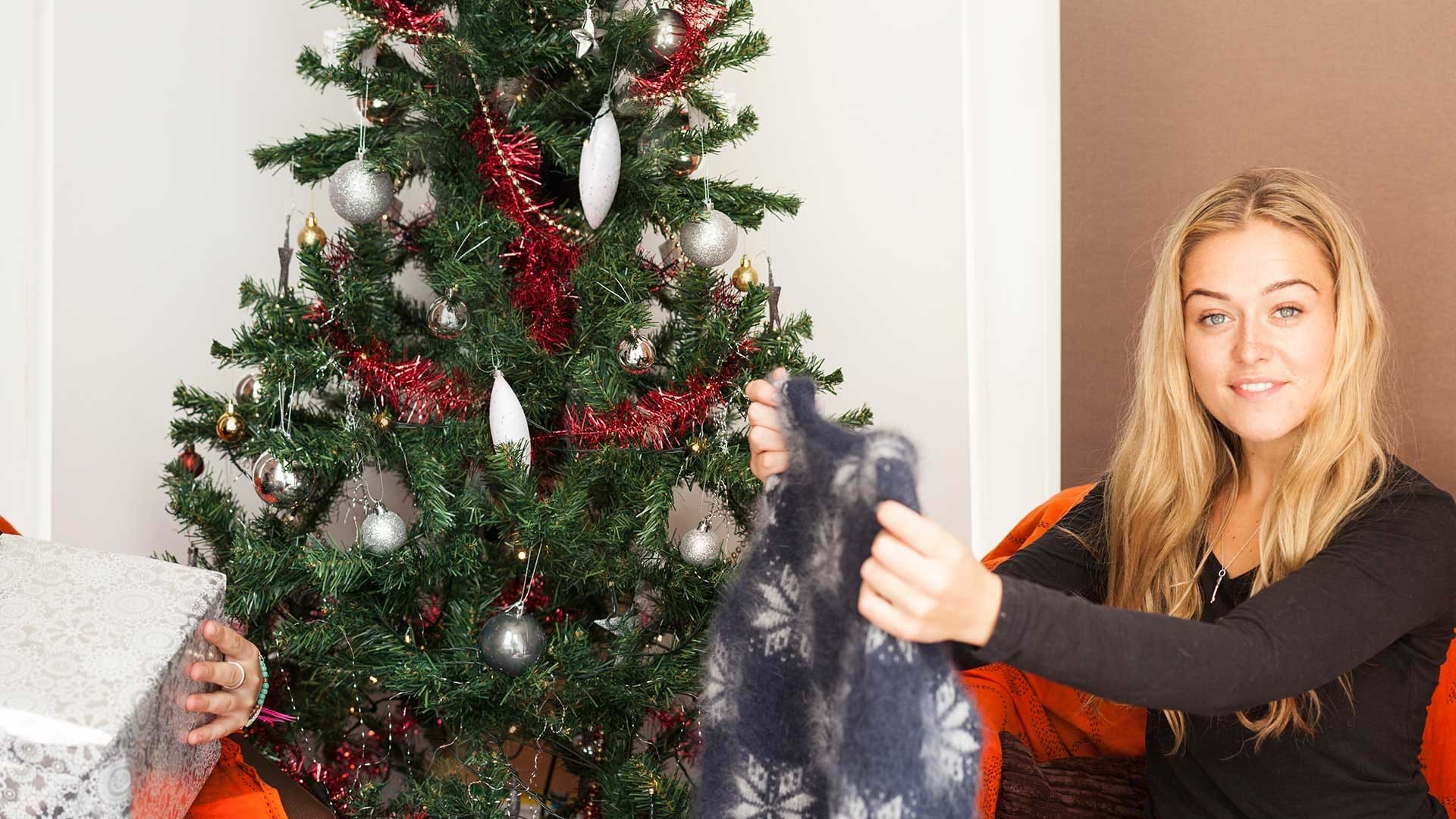 The missing christmas decorations uk hd - Christmas Box